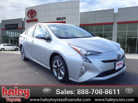 New 2017 Toyota Prius Four Touring 5 Door
