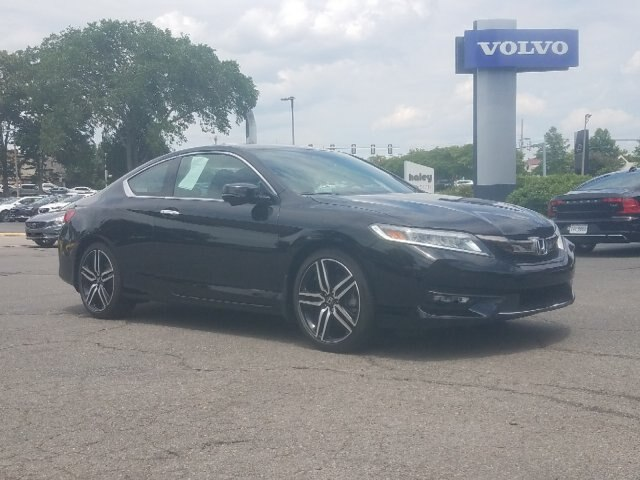 Pre-Owned 2017 Honda Accord Touring V6