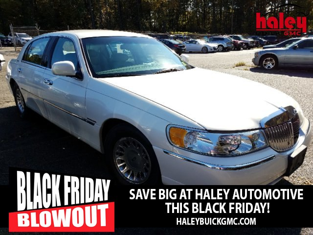 Pre Owned 2002 Lincoln Town Car Cartier L