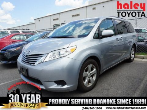 Pre-Owned 2015 Toyota Sienna LE 7 Passenger Auto Access Seat