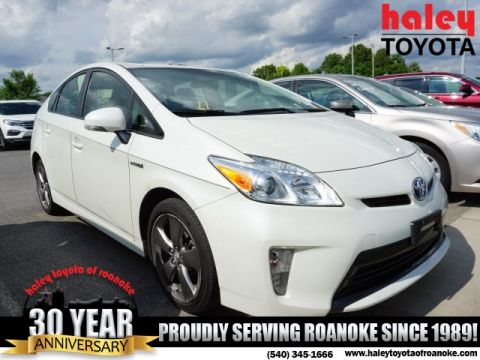 Pre-Owned 2015 Toyota Prius White - Three