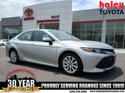 Pre-Owned 2018 Toyota Camry Silver - LE