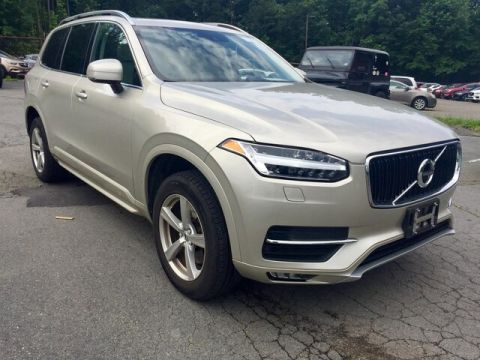 Pre-Owned 2016 Volvo XC90 T5 Momentum - 5 Passenger